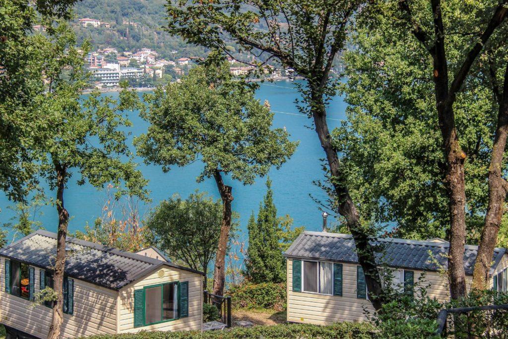 Uitzicht caravan Gardameer Salo