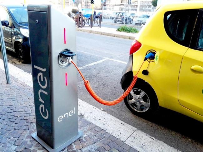 Elektrisch rijden en laadpalen in Italië
